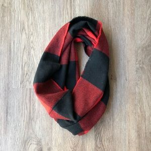 Old Navy Buffalo Check Cowl/Infinity Scarf